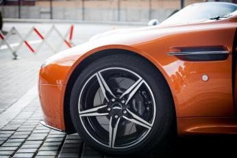 Aston Martin a doménový spor